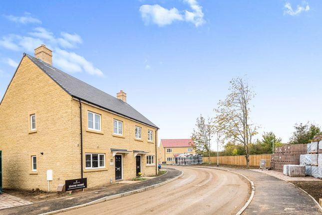 2 bed semi-detached house for sale in Jasper Lane, Carterton OX18