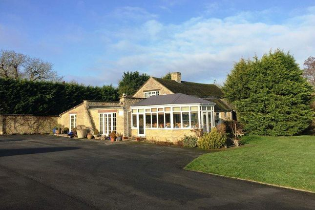 Thumbnail Restaurant/cafe for sale in Bicester Road, Middleton Stoney, Bicester