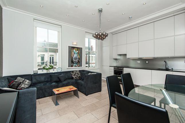 3 bed flat to rent in Putney Bridge Road, Putney, London