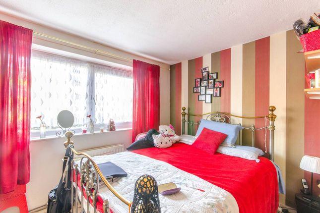 Thumbnail Flat to rent in Harts Lane IG11, Barking,