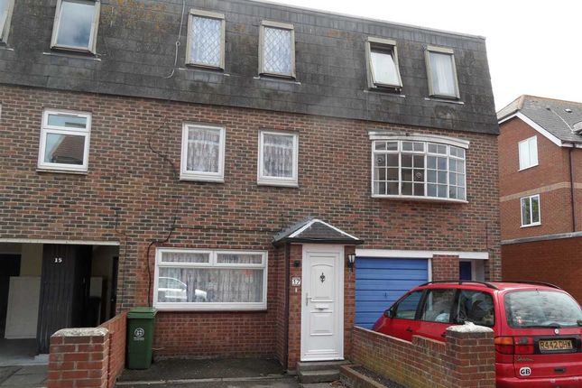 Thumbnail Terraced house to rent in Victoria Street, Portsmouth