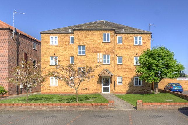 Thumbnail Flat to rent in Foxton Way, Brigg