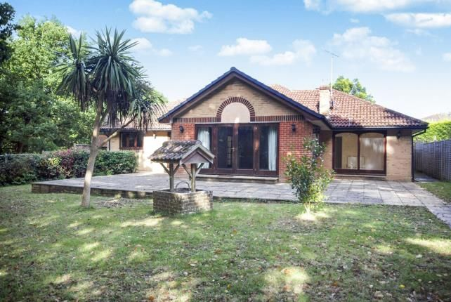 Thumbnail Bungalow for sale in The Poplars, Fishbourne Lane, Ryde