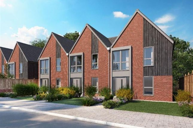 3 bed end terrace house for sale in Conningbrook Lakes, Kennington, Ashford TN24