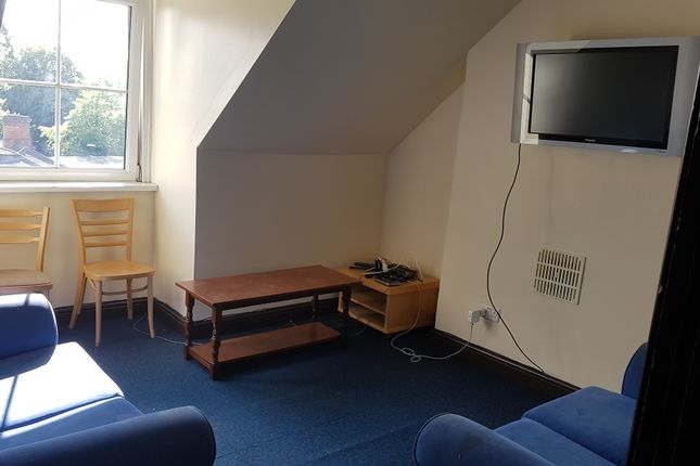Thumbnail Shared accommodation to rent in Jay House, Flat 4, 88 London Road, Leicester