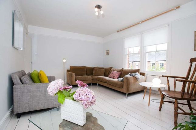 Thumbnail Property to rent in Kingston Road, Walton Manor