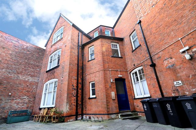 Thumbnail Flat for sale in St. Albans Road, Leicester
