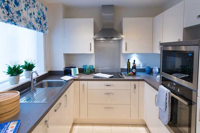 Thumbnail Flat for sale in Beaumont Way, Hazlemere