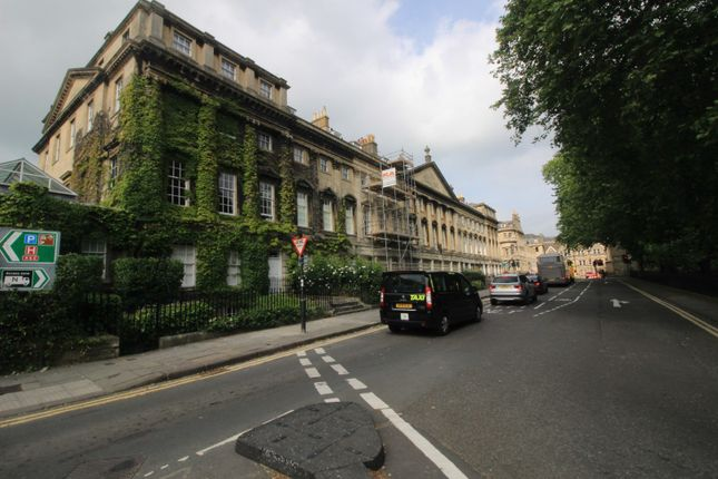 Thumbnail Flat to rent in Queen Square, Bath