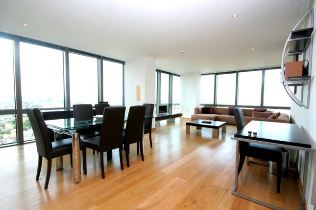 Thumbnail Flat to rent in One West India Quay, Hertsmere Road, London
