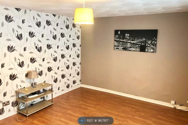 3 bed flat to rent in Dunphail Drive, Easterhouse, Glasgow G34