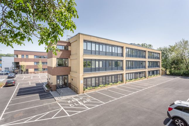 Thumbnail Flat to rent in Home Park Mill Link, Kings Langley