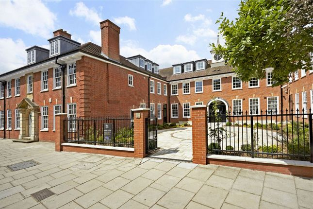 Thumbnail Flat for sale in Park Gate Court, High Street, Hampton Hill, Hampton