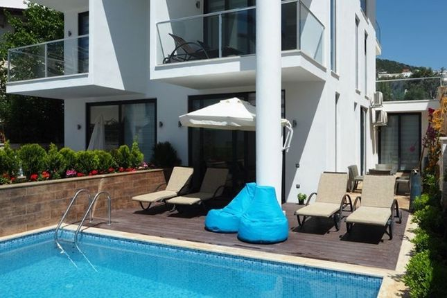 2 bed apartment for sale in Kalkan, Antalya, Turkey