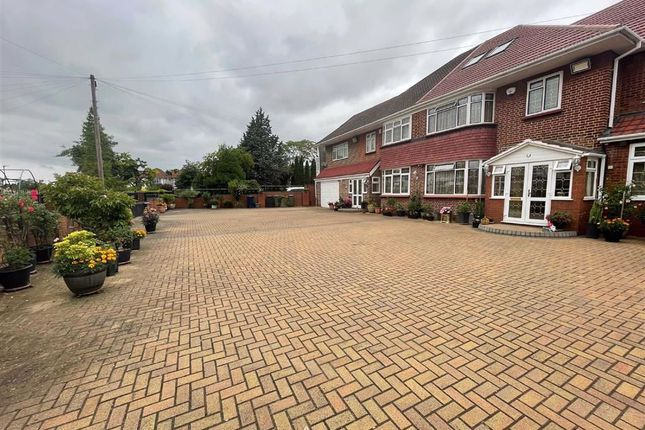 Thumbnail Detached house for sale in Craneswater Park & Green Walk, Southall, Middlesex