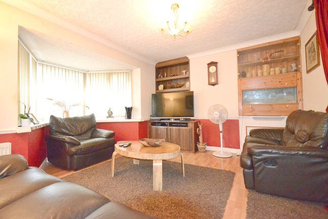 Thumbnail Semi-detached house to rent in The Greenway, Cippenham, Slough
