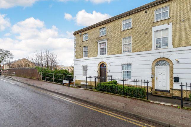 Thumbnail Flat for sale in Kneesworth Street, Royston