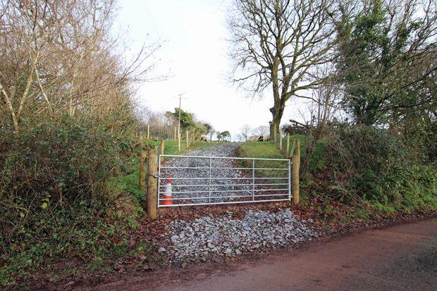 Llanybri, Carmarthen, Carmarthenshire SA33