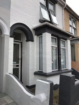 Thumbnail Shared accommodation to rent in Castle Avenue, Rochester, Kent