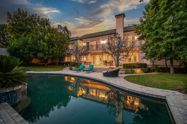 Thumbnail Apartment for sale in 701 N Hillcrest Rd, Beverly Hills, Ca 90210, Usa