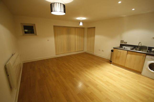 Thumbnail Flat for sale in Carmichael Avenue, Greenhithe