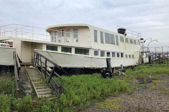 Thumbnail Houseboat for sale in Station Road, Cuxton, Kent