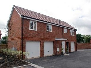 Thumbnail Flat to rent in Brudnell Close, Amersham