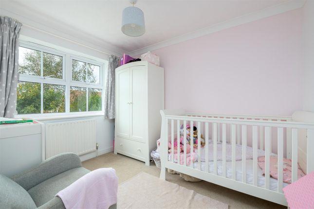 Bedroom of Killarney Close, Grantham NG31
