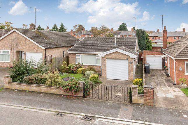 Thumbnail Detached bungalow to rent in Cresswell Road, Rushden