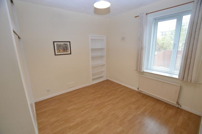 1 bed flat to rent in Hill Street, Dunfermline, Fife KY12