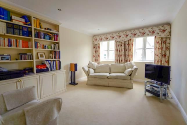 Thumbnail Terraced house for sale in West Hill Road, Cowes