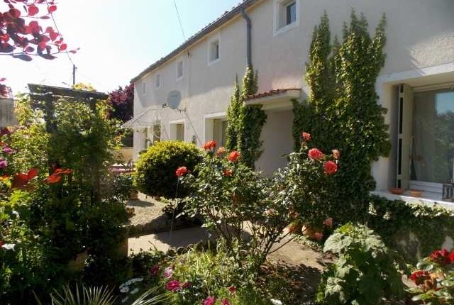 5 bed property for sale in Poitou-Charentes, Charente, Longre