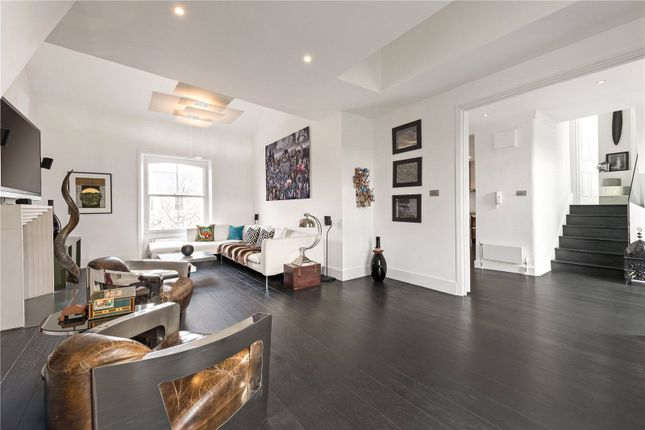 2 bed flat to rent in Oxford Gardens, Notting Hill W10