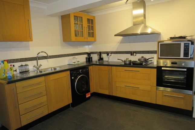 Thumbnail Flat to rent in Wimpole Road, Colchester