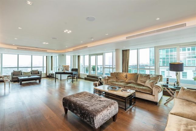 Thumbnail Flat for sale in Kestrel House, 2 St George Wharf, Nine Elms, London
