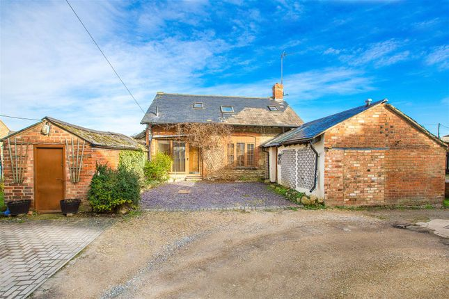 Thumbnail Barn conversion for sale in Hill Street, Raunds