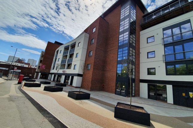 Thumbnail Flat to rent in 2 Bedroom Apartments In Luxury Quadrant Apartments, Birmingham