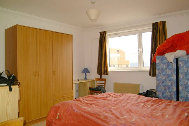 Thumbnail Flat to rent in Seraph Court, Finsbury