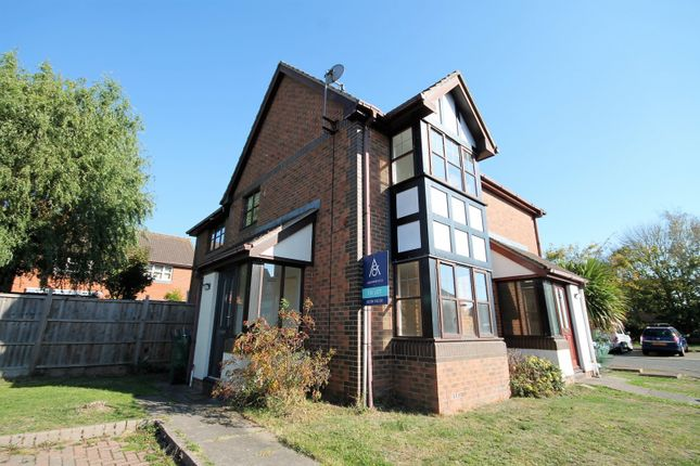 Thumbnail Property to rent in Curlew, Watermead, Aylesbury