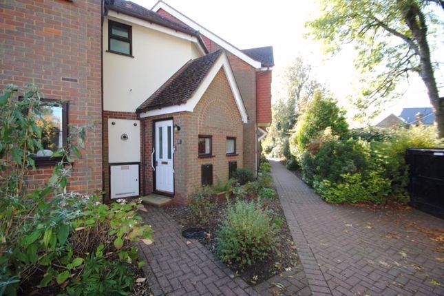Thumbnail Flat to rent in Giles Gate, Prestwood, Bucks