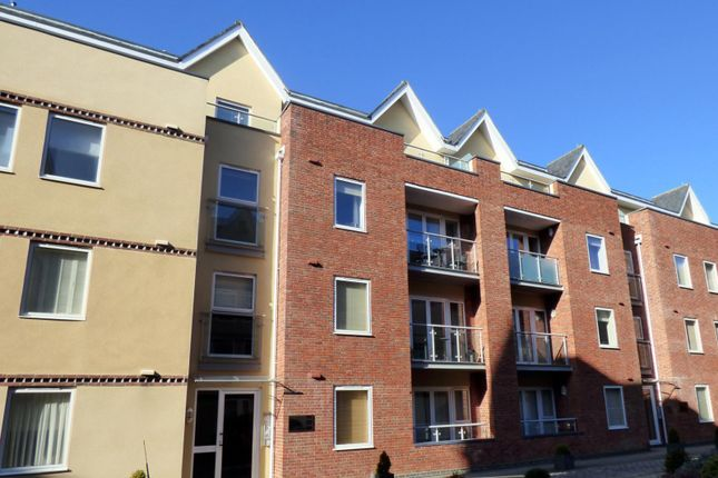 Flat to rent in Shippam Street, Chichester