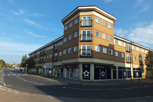 Thumbnail Flat to rent in High Street, Kidlington