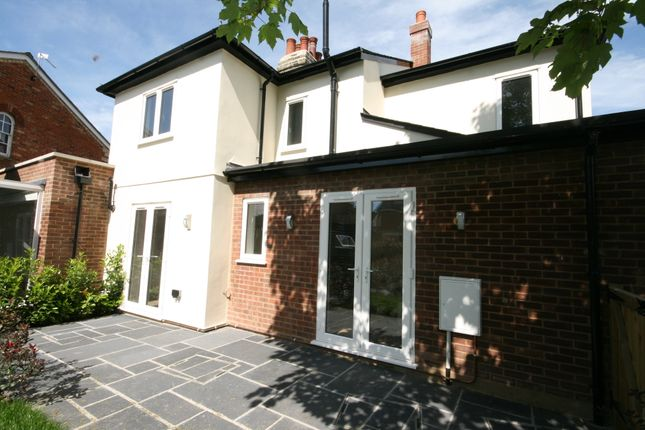Thumbnail Flat for sale in Oughton Head Way, Hitchin
