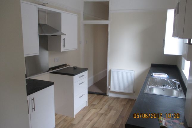 Thumbnail Flat to rent in Pains Road, Southsea