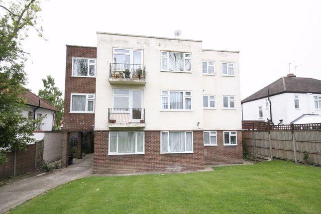Thumbnail Flat to rent in Farm Villas, Farm Road, Edgware, Middlesex