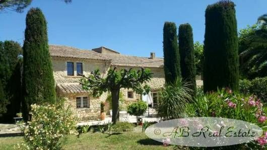 8 bed property for sale in Avignon, France