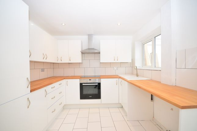 Thumbnail Terraced house to rent in Periwinkle Close, Sittingbourne