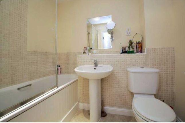 Bathroom of Katesgrove Lane, Reading RG1