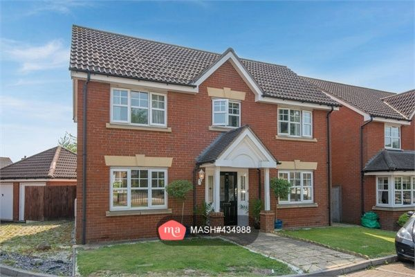 Thumbnail Detached house to rent in Hoveton Way, Ilford