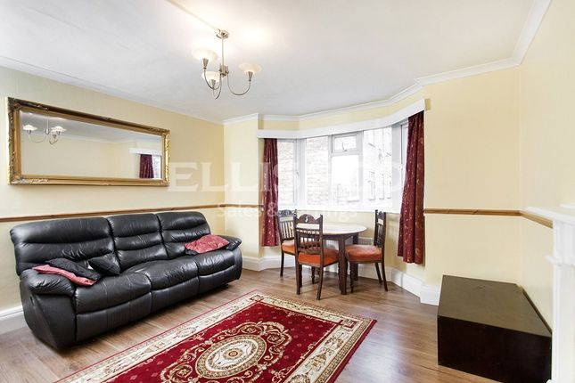 2 bed flat to rent in Longberrys, Cricklewood Lane, London